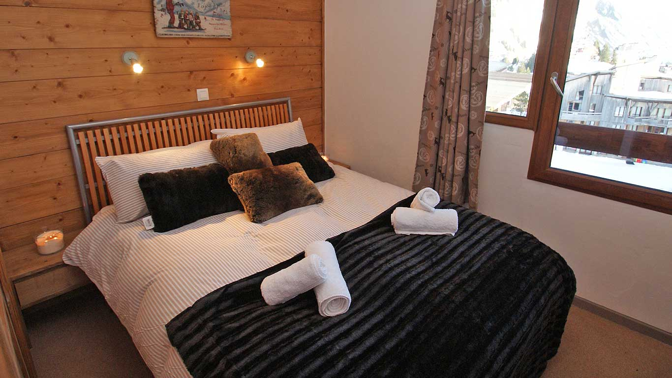 Chalet Bedroom Chamois